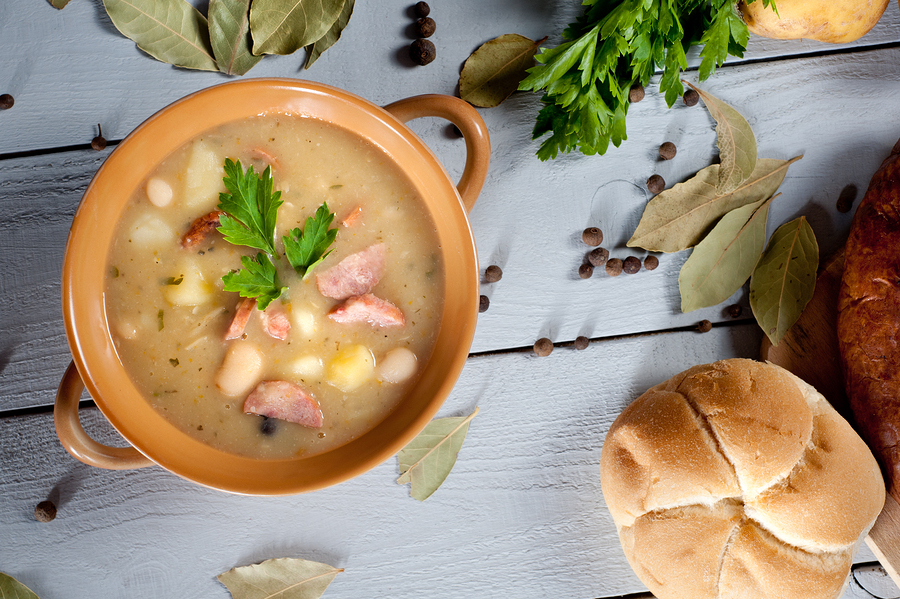 Caregivers in Leesburg VA: 5 Hearty and Healthy Comfort Foods for Seniors